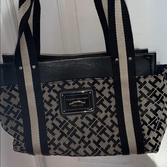 Tommy Hilfiger mini purse